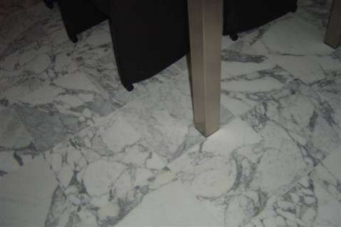 Marmer vloer wit zwart geaderd