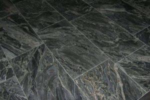 Marmeren vloer zwart wit geaderd